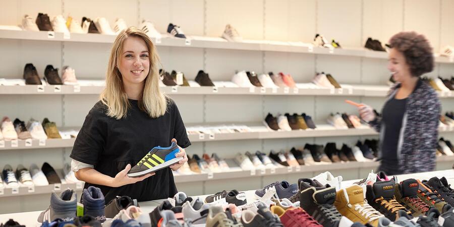 Vacature winkelmedewerker, filiaalmanager schoenen mode ...